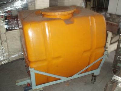 樹脂タンク 800L