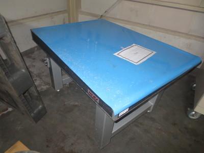 三次元空気バネ式防振台