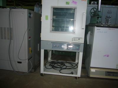 真空定温乾燥器